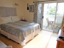 https://www.airbnb.pl/rooms/3053422